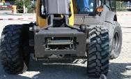 Vollhydraulisches Schnellkuppelsystem für hydraulisch betriebene Anbaugeräte