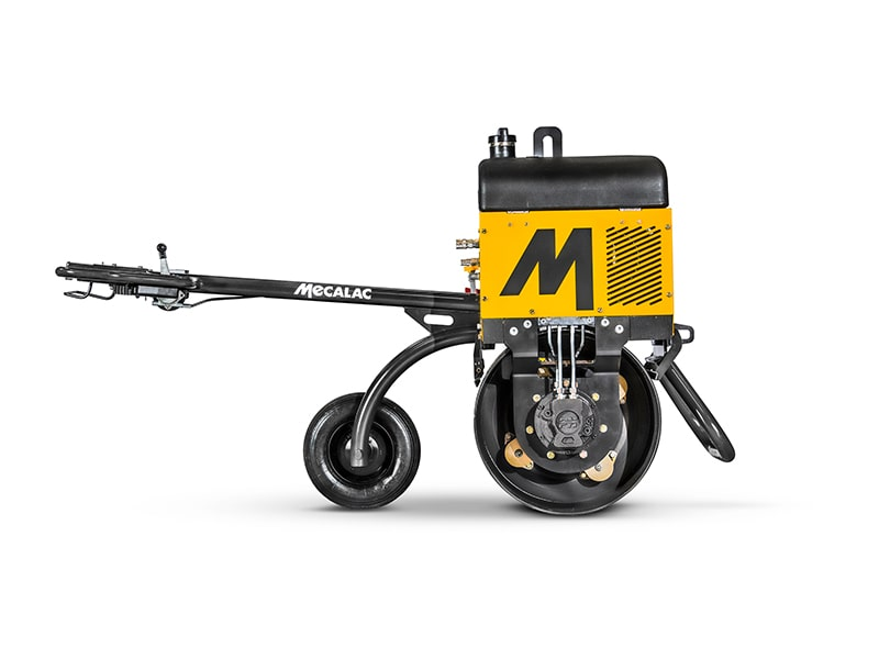 MECALAC COMPLETELY REDESIGNS ITS MBR71 SINGLE-DRUM COMPACTION ROLLER