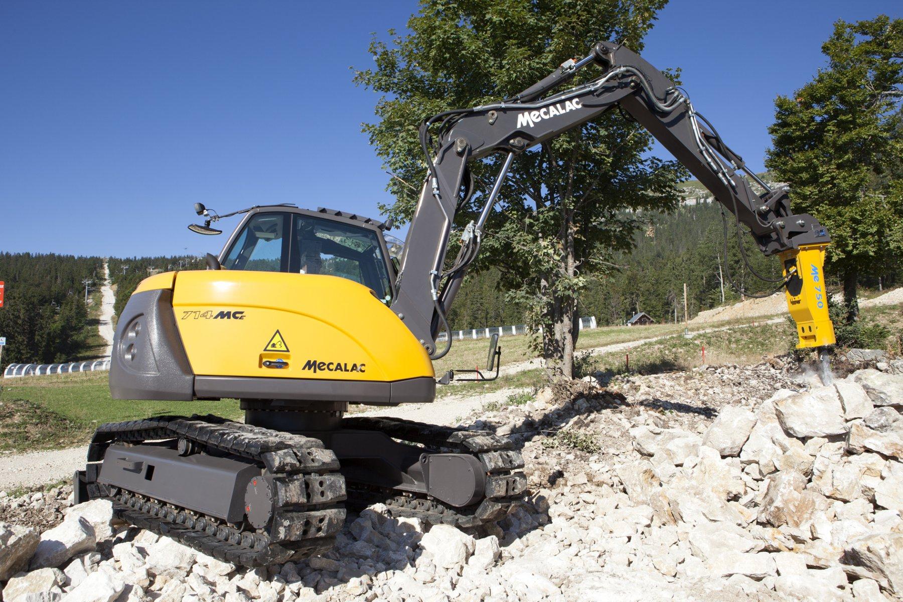 Mécalac Ahlmann 1451913981_mecalac-excavator-714MCe-01