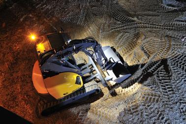 Escavatore polivalente MECALAC e attacco rapido MECALAC